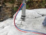 新型镍矿开采设备替代爆破最优秀静态液压劈裂机