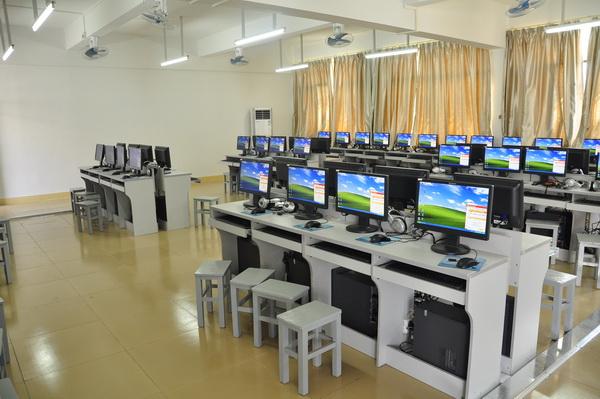 多媒体网络计算机教室配置方案