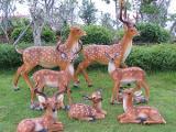 雕塑小品、梅花鹿、小熊猫、戴斯家具、戴斯户外