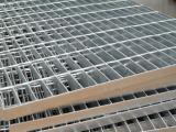 供应压焊钢格板 齿形镀锌钢格板 防滑锯齿钢格板