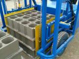 水泥砖电瓶叉砖车