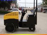 优质供应1吨双钢轮振动压路机