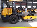 座驾式轮胎压路机轮胎压实机