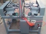 宏超木桶打孔机、木桶板打孔机器、钻木桶板机械设备