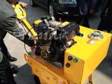 施工百搭款小型单钢轮震动碾沃特手扶式一轮柴油压路机沟槽压实机