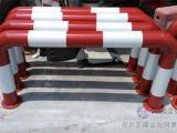 U型护栏 防撞栏杆 U型隔离桩 烤漆镀锌U型隔离栏杆