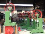 新款供应带锯机设备   自动立式带锯机跑车