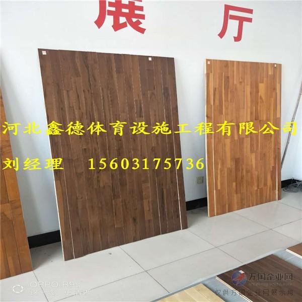 运动木地板主要是由防潮层,弹性吸震层,防潮夹板层,面板层组成