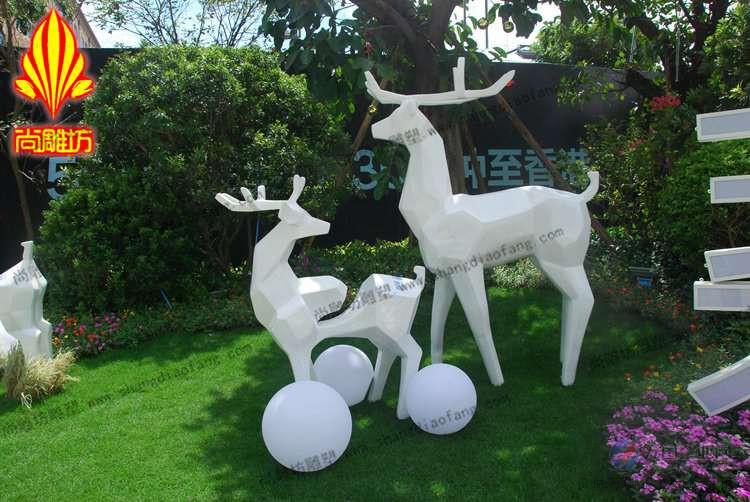 玻璃钢切面鹿雕塑 卡通动物雕塑摆件 碧桂园小区绿地