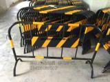 哪里有卖铁马护栏的厂家 马路隔离护栏价格 路易通交通设施