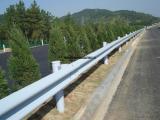 新疆波形护栏 高速公路防撞护栏 双波波形梁钢板护栏厂家