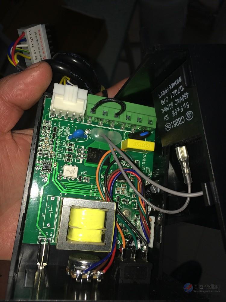 飞腾交流单相异步电动机电子调速控制器,采用新颖电子线路及集成