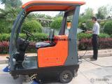 陕西普森电动清洁扫地车性比、驾驶式扫地机