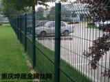 三角折弯护栏网生产厂家 厂房围栏网 桃形立柱护栏网