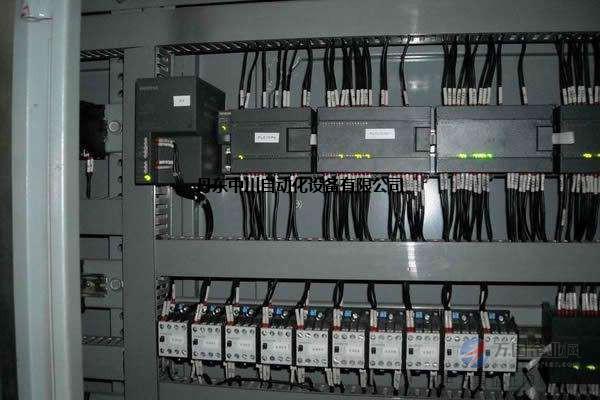 丹东中川自动化设备有限公司坐落于中国秀美的边境城市辽宁丹东。公司主要服务于丹东地区, 承接各种自动化工程项目、低压PLC变频器控制柜、多种品牌的PLC程序设计编程、上位机组态软件、工业触摸屏程序的设计、各行业自动化设备配套仪表设计、安装。是集设计、生产、销售与一体的高新科技公司。凭借雄厚的技术力量,丰富的现场经验,先后完成了几十项自动化工程的设计、施工、调试。 公司经营理念为专业、专心、诚心。 本页链接: 已经有1位访客查看了本页
