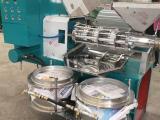 全自动花生榨油机 新型螺旋花生榨油机价格