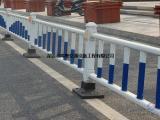 供应深圳道路护栏/鸿粤现货隔离护栏厂家/市政防护栏直销