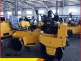 0.8吨座驾压路机 双钢轮小型压路机 压沟槽 双滚小碾子