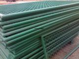 供应足球场围护网¥足球场地围护栏网¥学校足球场区围护网隔离栏