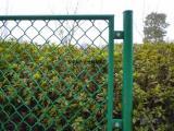 学校铁丝防护栏网¥校园操场隔离围栏网¥篮球场菱形围护网
