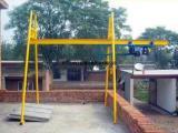 四柱吊运机、建筑吊机、室外全自动直滑式小吊机