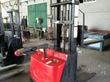 金盾2.5吨全电动叉车蓄电池耐用,尺寸标准
