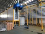 新月喷涂设备厂是集设计制作安装调试为一体的系统厂家
