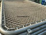 实体厂家供应体育场围栏网,球场铁丝网,勾花防护栏