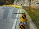 青岛泰诚厂家直营新型旋转护栏、公路旋转式防撞桶、高速公路护栏