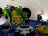 高端熊猫气堡出租价格充气大熊猫儿童乐园租赁
