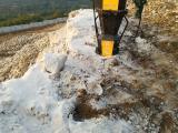 挖地基修公路竖井孔桩破石头液压劈裂棒