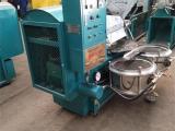 厂家现货热销100型商用花生螺旋榨油机设备