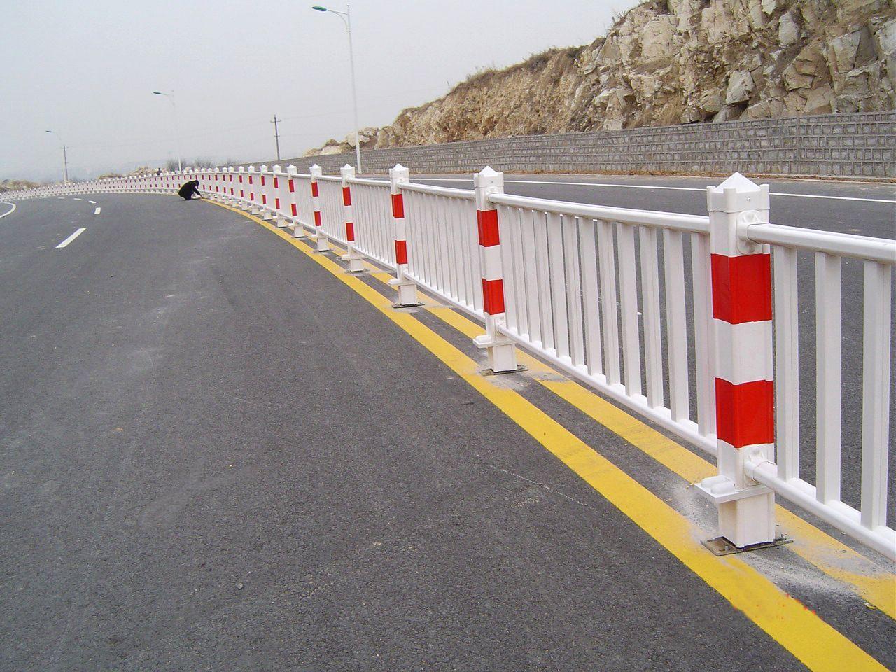 道路护栏1