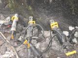 山东日照挖地基破石头机器裂石机