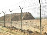 安平县护栏网厂家供应机场护栏网浸塑围界网价格优惠可定做