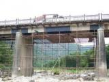 桥梁加固粘贴碳纤维施工