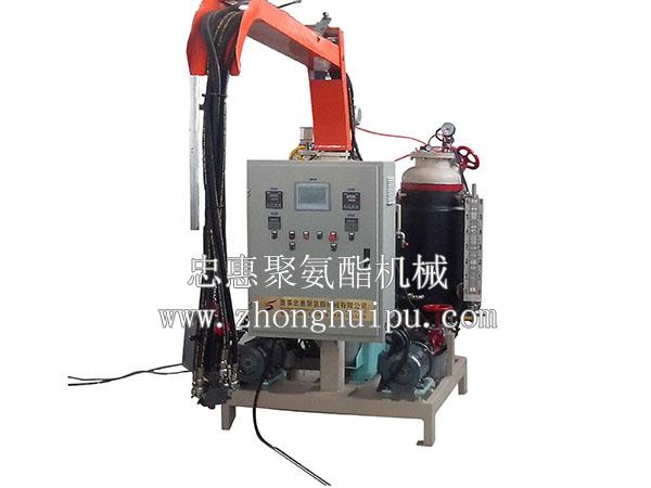 蓬莱忠惠机械(图) 聚氨酯鞋底发泡机 聚氨酯发泡机