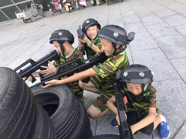 军事夏令营基地 雷霆万钧夏令营(在线咨询) 湖南军事夏令营