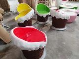 游乐园装饰吸引儿童的冰淇淋椅子