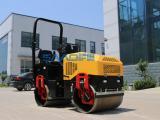 萨奥座驾2吨压路机的性能稳定
