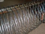 康格-蛇腹型刀片刺繩-刺絲滾籠-平鋪型刀片刺繩-廠家熱銷產品