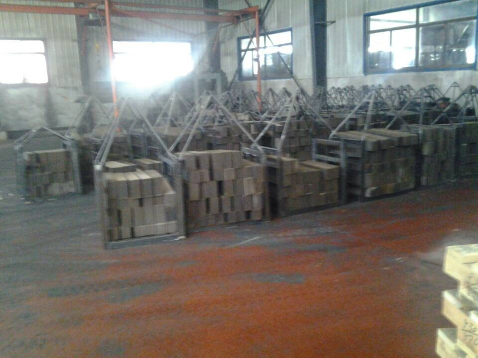 供给耐火资料镁钙砖业余消费