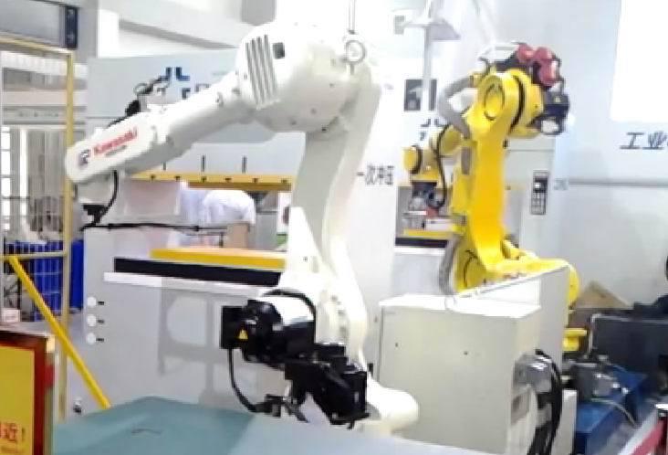 主动化工业机器人机械手 集装机
