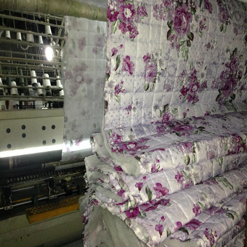 成都二十多年经历业余大型绗缝绣花服装