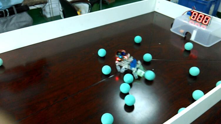竞彩足球机器人趣味竞赛平台桌面足球科技活动机器人特种机器人