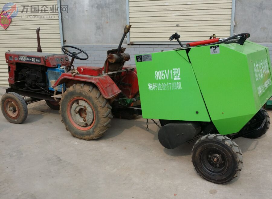 轮式拖拉机带动自动收割打捆机
