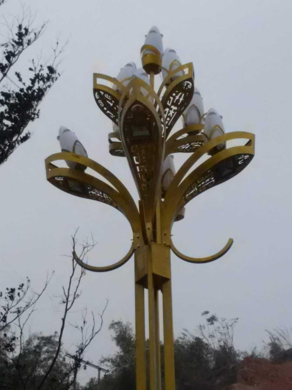 厂家定制10米12米户外玉兰花灯12米9火中华灯 LED