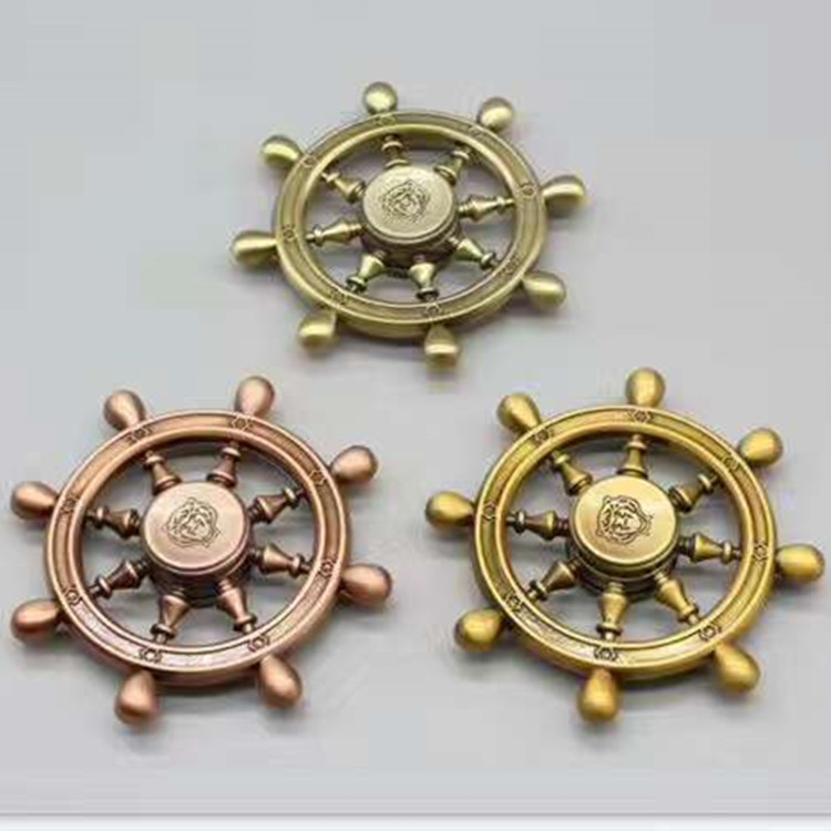 钻石七彩指尖陀螺 海贼王 三叶LED发光 美队 飞鱼 宝马减压玩具