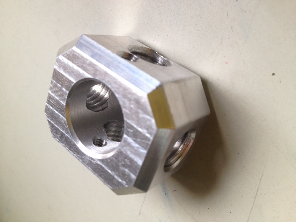 压铸产品精细加工 CNC加工中心 精加工 铝合金